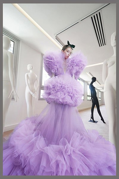 Giambattista Valli- lace dress clothing manufacturer