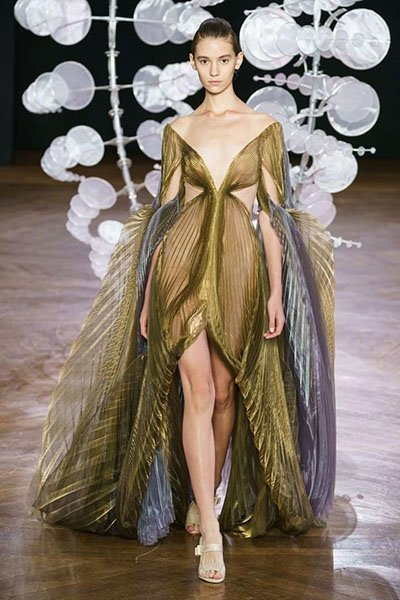 Iris Van Herpen chiffion formal dress clothing manufacturer